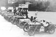 AUSTIN 7s  TT Hon Victoria Worsley etc. Lined up to start at Brooklands 1931